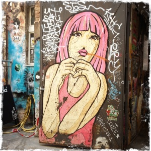 A pink haired lady (reminds me of Lola) by El Bocho.
